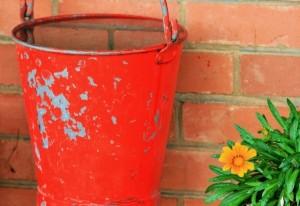 bucket-water-fire-extinguish-precaution jpg
